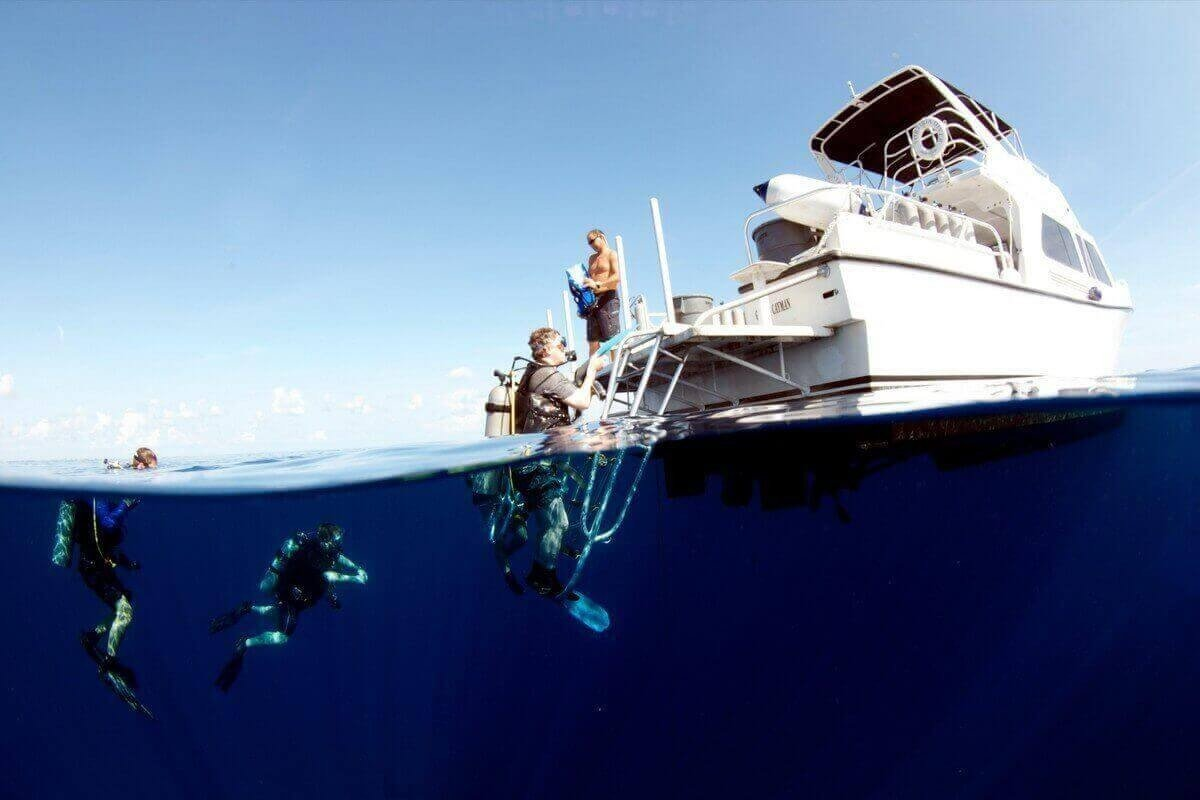 East diving sites in Cayman Islands
